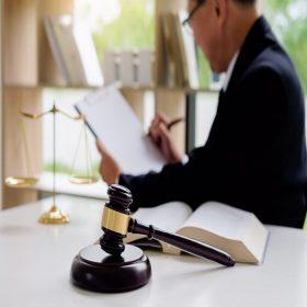 Hukuk, Düzenlemeler ve Kamu İlişkileri